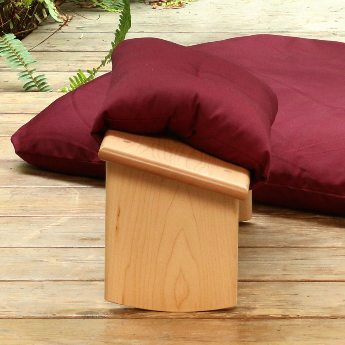 Choose an Curved Seiza Bench Set in Maple with a Burgundy Seiza Cushion and Zabuton Mat
