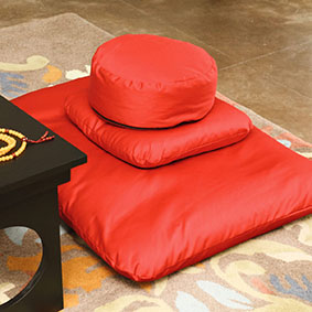 Buckwheat Hull Zafu Pillbox - This is the Zafu Zabuton Set Deluxe (with a Support Cushion) in red fabric. All deluxe Cushion Sets come with washable covers.